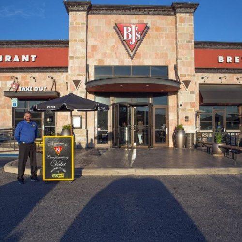 BJ's Restaurant & Brewhouse - San Antonio